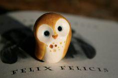 Felicis the Lucky Clay Owl: I want this little guy soooo badly!!!