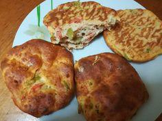 Ντοματοπιπεροπιτάκια - Dukan's Girls The Kitchen Food Network, Food Network Recipes, Baked Potato, Yummy Food, Baking, Breakfast, Ethnic Recipes, Savoury Pies, Girls