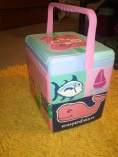 Love this preppy painted cooler! I think I might have to make one for summer1
