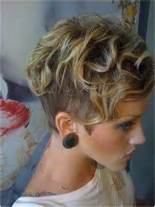 Short Shaved Hairstyles Ideas: Short Haircut for Curly Bangs / Via