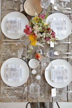 I wanted to share 10 charming table settings to inspire your next dinner party or event. Table settings are one of my favorite things about entertaining, but
