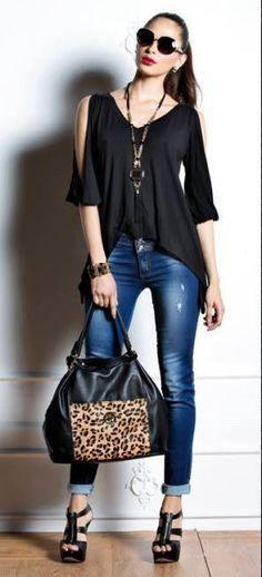 Jeans de dama con blusas negras 1