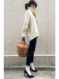ユニクロ定番人気♡ウルトラストレッチジーンズで大人コーデを楽しもう! - Yahoo! BEAUTY Grey And Beige, Fasion, Lady, Night Out, Normcore, Street Style, Denim, Chic, My Style