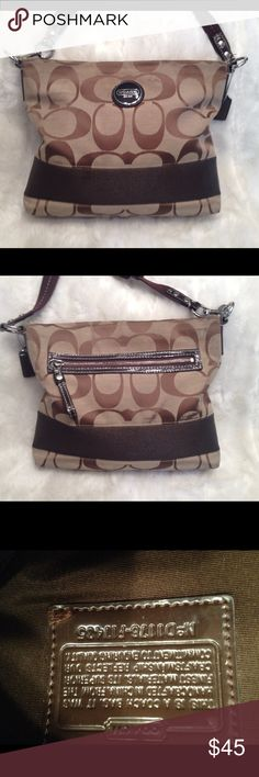 Authentic COACH JACQUARD CrossBody Bag COACH#D1176-F17435. In good shape. Little scuffing on the back. Clean liner. Measures 12x10 Coach Bags Crossbody Bags