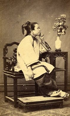 1868....CHINESE WOMAN....HONG KONG...ON GALERIE VERDEAU....