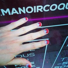 Nail Art is always cool✌️ #manoircoquetterie #fun #nails