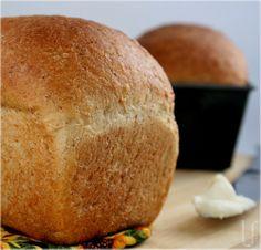 Great recipe... Airy, soft, tasty. Will use unsalted butter or less salt the next time. Excelente receta... El pan queda esponjoso y sabroso. Para la proxima vez, usare mantequilla sin sal, o menos sal de la que indica.