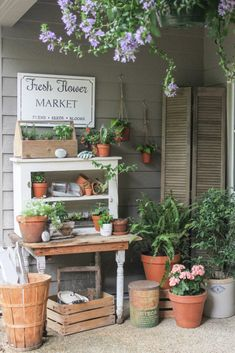 Beautiful vintage potting bench #gardening #gardenideas #pottingbench #vintage #repurpose #upcycle