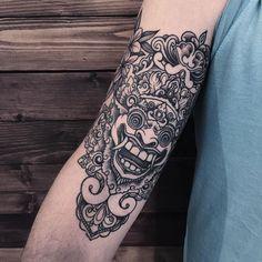 For @dashkoff #sashatattooing #dotwork #linework #tattoo #love #bali #barong
