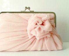 Hochzeit - Für VORBEHALTEN Mine '- Dusty Pink Rose Clutch - Größe Large - Made To Order - ein Mehr in dieser Farbe