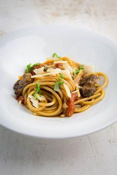 Spaghetti mit Ochsenschwanz-Sugo