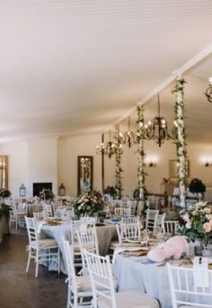 Jade & Jarryd, a couple living in OZ, celebrated the end of 2018 with a . Flower Decorations, Table Decorations, Greenery, Jade, Flora, Nostalgia, Couple, Elegant, Natural
