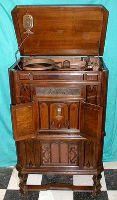 """1932 RCA-Victor Radiola, Art Deco console, not only played 10-inch 33 RPM records and radio, but you could RECORD on """"pre-grooved recording disks"""" with either microphone or off the radio!"""