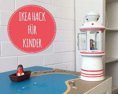 Einen DIY Leuchtturm basteln. Und das in nur 2 Minuten! Das geht nur mit diesem tollen IKEA Kinderhack. Der Leuchtturm macht sich gut auf dem Geburtstagstisch zum Thema Piraten oder Küstenwache. Er findet aber auch einen tollen Platz auf dem Spieltisch Wasserreich von Limmaland.