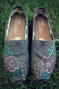 Find a wide selection of the latest TOMS shoes  boots and accessories For more details visit here: