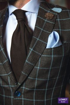 Sports coat Sartoria, shirt Eton, tie Fiorio, pocket square Lowet & boutonnière hook + ALBERT - Outfit styled by Lowet Tailors