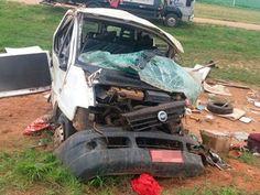 Batida entre carro e van deixa 3 mortos e 9 feridos na Bahia (Foto: Blog do Sigi Vilares)