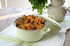 Kjapp hverdagspasta Spaghetti Bolognese, Veg Recipes, Penne, Pizza, Meals, Ethnic Recipes, Food, Kitchens, Lasagna