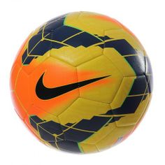 ce54678f5bc63 Disfruta cada impacto con el Balón Nike Strike el cual luce unos gráficos  de alto contraste