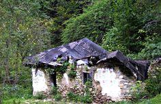 Axante de la Trascau: Un vis! O casă care va renaște! Gazebo, Outdoor Structures, Kiosk, Pavilion, Cabana