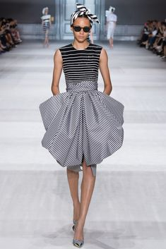 Giambattista Valli Fall 2014 Couture - Collection - Gallery - Look 29 - Style.com - a work of art and architecture.