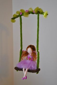 Girls Room Ornament Waldorf inspired : Girl in purple on the swing Chicas sala de ornamento Waldorf inspirado: muchacha de color Diy Arts And Crafts, Felt Crafts, Crafts For Kids, Fairy Clothes, Felt Fairy, Flower Fairies, Hand Embroidery Designs, Waldorf Dolls, Fairy Dolls