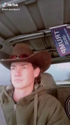 Funny Vidos, Funny Laugh, Funny Relatable Memes, Stupid Funny, Super Funny Videos, Funny Short Videos, Southern Humor, Cute Country Boys, Redneck Humor