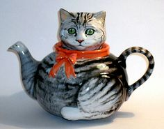 Sally Meekins ceramic cat lid teapot