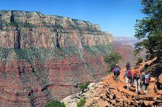 Si eres aficionado al Senderismo, lo practicas habitualmente o bien te estás iniciando en esta apasionante actividad, no deberías olvidar una serie de máximas que, sin duda, te permitirán disfrutar al máximo de tus salidas a la montaña, convirtiendo esta actividad en algo completamente satisfactorio. photo by: Grand Canyon National Park https://www.flickr.com/photos/grand_canyon_nps/12094382413