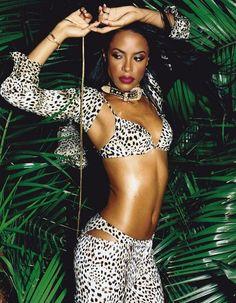 Live & Twirl — Aaliyah photographed by David LaChapelle Rip Aaliyah, Aaliyah Style, Aaliyah Outfits, Christina Aguilera, Beautiful Black Women, Beautiful People, Nice People, Beautiful Ladies, Hip Hop
