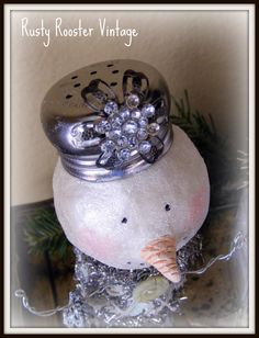 Rusty Rooster Vintage: Altered Salt and Pepper shaker snowmen