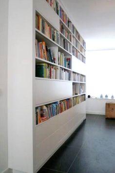 Design wandmeubels op maat met schuifpanelen en bureau