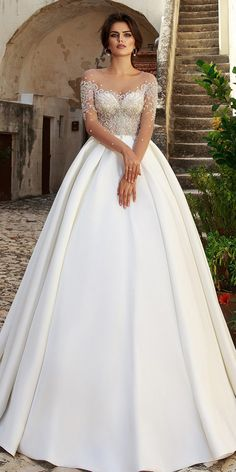 Glamorous Tulle Scoop Neckline See-through Bodice Ball Gown Wedding Dress With Beaded Embroidery
