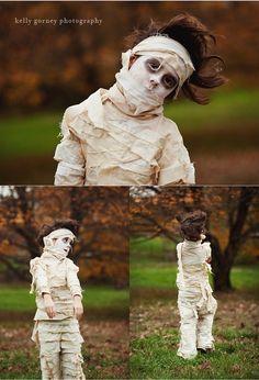 DIY Mummy Costume halloween-fun