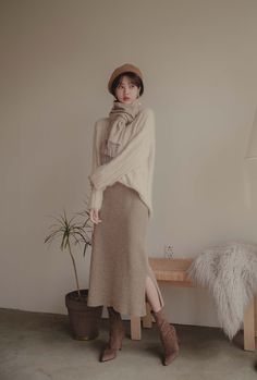 Woolen Knit Side Slit Skirt You are in the right place about Knitting charts Here we offer you the most beautiful pictures about the Knitting. Long Skirt Outfits, Modest Outfits, Modest Fashion, Fashion Outfits, Hijab Fashion, Korean Street Fashion, Asian Fashion, Trendy Fall Outfits, Cute Outfits