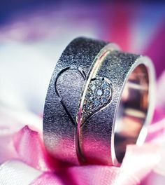 Cute couples simple wedding rings