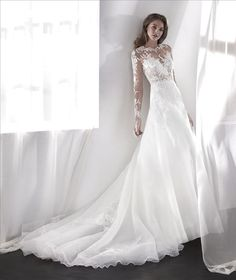 PRONOVIAS ~ LILIANA
