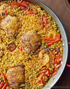 Paella this is making me hungry! Read Recipe by littlepimterest I Love Food, Good Food, Yummy Food, Healthy Food, Ways To Cook Chicken, Chicken Recipes, Baked Chicken, Chicken Paella, Paella Recipe