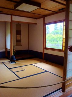 Japanese tea room - idea for matting in Fibonacci sequence with secret storage under the panels