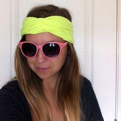 http://www.ohsoprettythediaries.com/2012/10/the-diy-no-sew-turban-headband-from-t.html