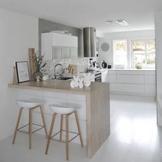 Tiny Kitchen Design Ideas What Is It 24 - sitihome Home Decor Kitchen, Kitchen Living, Interior Design Kitchen, Country Kitchen, New Kitchen, Home Kitchens, Kitchen Ideas, Scandinavian Kitchen, Open Plan Kitchen