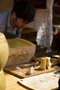 L'arte di tagliare il Parmigiano