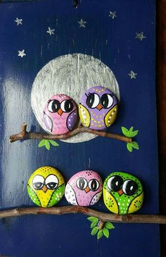 Hand painted rock with an adorable owl. Crafts with rocks ✓ Best Painted Rocks Ideas, Weapon to Wreck Your Boring Time [Images] Pebble Painting, Pebble Art, Stone Painting, Diy Painting, Painting Flowers, Painting Tools, Garden Painting, Rock Painting Patterns, Rock Painting Ideas Easy
