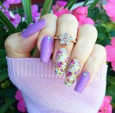 Cinco modelos de uñas decoradas
