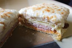 Make and share this Croque Monsieur recipe from Genius Kitchen. Brunch Recipes, Breakfast Recipes, Breakfast Ideas, Heathy Breakfast, Wrap Sandwiches, Breakfast Sandwiches, Best Sandwich, Barefoot Contessa, Yummy Eats