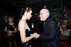 John Williams and Daisy Ridley at an event for Star Wars: Episode VIII - The Last Jedi Star Wars Cast, Star Trek, John Williams Star Wars, Film Score, Fantasy Movies, Last Jedi, Popular Movies, For Stars, Other People
