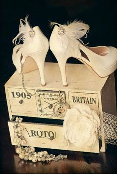 Vintage shoes + shoeclips (via etsy)