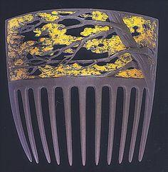 Art Nouveau hair comb by Rene Lalique Hair Jewelry, Jewelry Art, Vintage Jewelry, Jewelry Design, Jewellery Box, Bijoux Art Nouveau, Art Nouveau Jewelry, Lalique Jewelry, Vintage Hair Combs