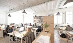 MOB – Makers of Barcelona – are two coworking spaces that inspire people to work, play and learn creatively and collaboratively.
