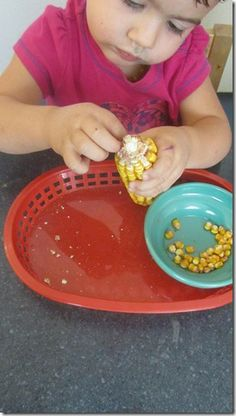 Corn pulling activity for Toddler's.  This blog has some great activities for little ones.